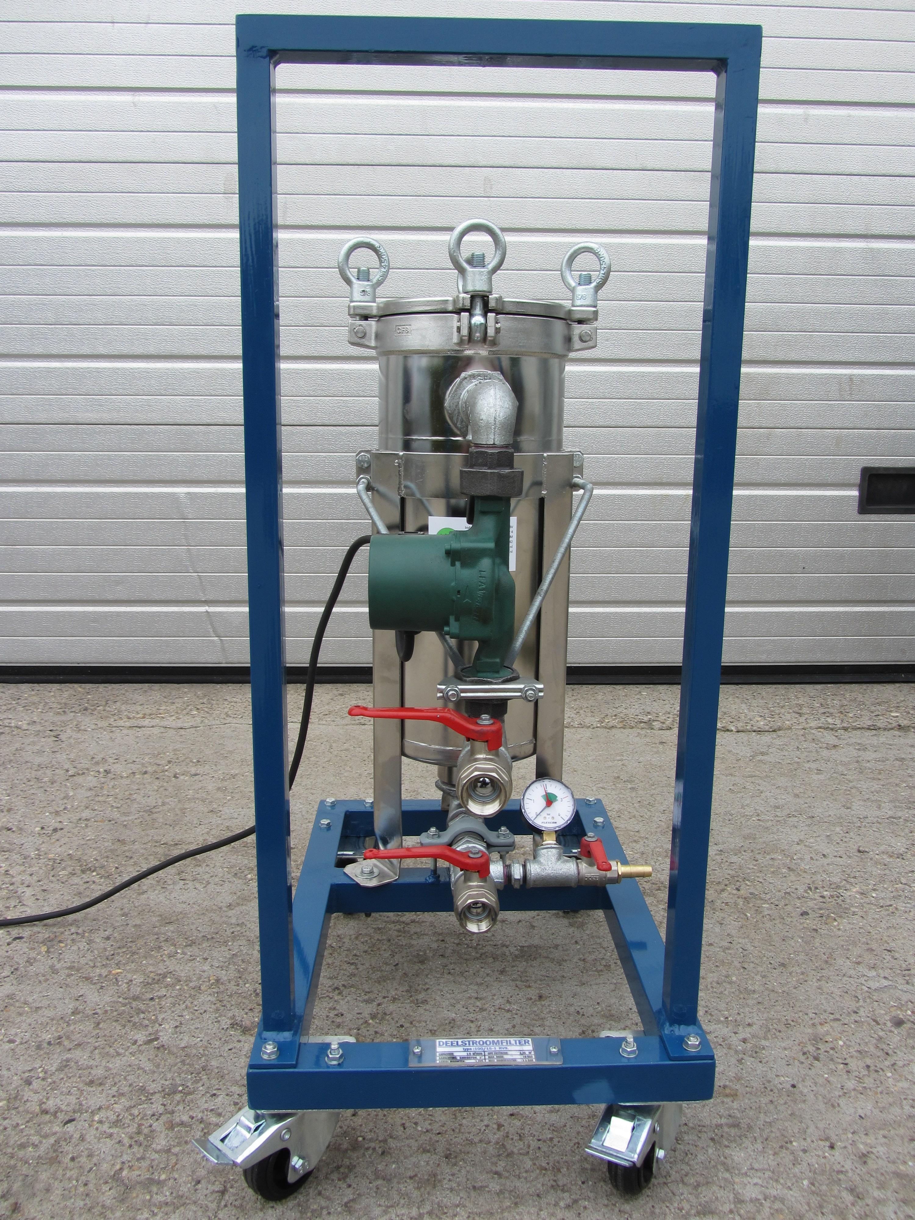Mobiele filter unit voor het motorkoelwater systeem